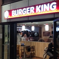 Photo prise au Burger King par Alex T. le12/16/2013