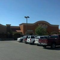 รูปภาพถ่ายที่ Horizon Vista Market โดย Armando E. เมื่อ 9/17/2012