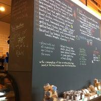 Das Foto wurde bei Flour Bakery + Cafe von Aubre am 6/29/2013 aufgenommen