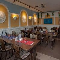 Photo taken at Grieks Specialiteiten restaurant Apollo by Profiel D. on 9/12/2016