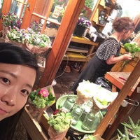 Photo taken at Sunny's Florist by Cheng C. on 9/13/2016