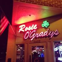 Photo prise au Rosie O'Grady's Irish Pub par Beau G. le12/2/2012
