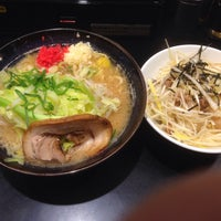 Photo taken at ゴル麺 町田店 by 60 基. on 1/14/2017