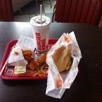 Foto scattata a Burger King da Andre P. il 4/2/2016