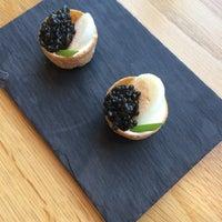 2/18/2017 tarihinde Evgenia B.ziyaretçi tarafından Finlandia Caviar'de çekilen fotoğraf
