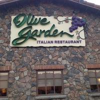 Photo taken at Olive Garden by Joe R. on 10/3/2013