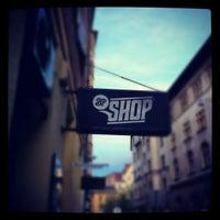 Foto tirada no(a) BP Shop por feri em 10/4/2012