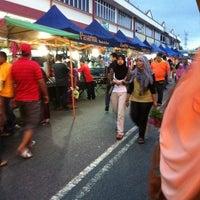 Photo taken at Pasar Malam Pekan Kg. Gajah by Ian A. on 12/2/2011