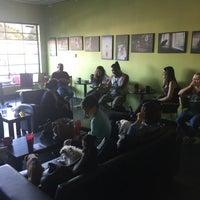 6/11/2016에 Sundee H.님이 Munchies Coffee House and Bakery에서 찍은 사진