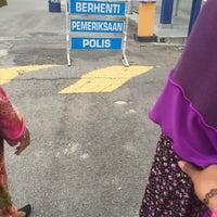 Photo taken at Ibu Pejabat Polis Daerah Klang Selatan by Zuriaaana on 5/7/2017