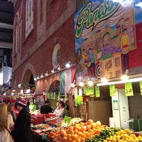 Foto scattata a St. Lawrence Market (South Building) da Jan-Nicolas V. il 4/20/2013