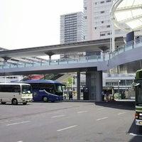 Photo taken at 広島駅新幹線口 バスのりば by 麻凜 on 6/10/2017