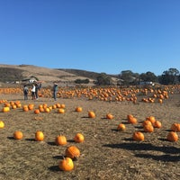 Photo taken at Bob's Pumpkin Patch by HH T. on 10/29/2015