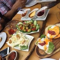6/10/2018 tarihinde Nazanin A.ziyaretçi tarafından Özgür Şef'in Deli Kasap'de çekilen fotoğraf