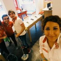 Photo taken at Vodafone ONGUN  2. Ana bayii by Burçin A. on 8/17/2016