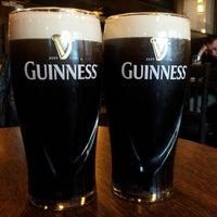 Foto diambil di Shannon's Irish Bar oleh Max V. pada 4/20/2013