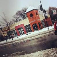 2/13/2014 tarihinde Matthew M.ziyaretçi tarafından Chipotle Mexican Grill'de çekilen fotoğraf