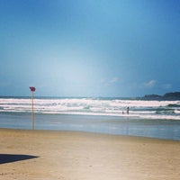 Photo taken at Surf Spot Canto do Maluf by Ori A. on 6/22/2014