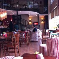 Foto tirada no(a) Viverone Café Boutique por Fulvio E. em 7/20/2013