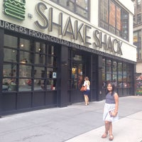 Photo taken at Shake Shack by Ria Margaret M. on 8/14/2017