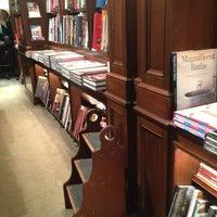 Foto diambil di Rizzoli Bookstore oleh Susanna L. pada 2/27/2013