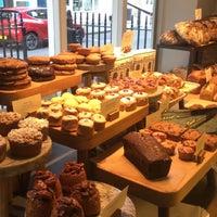 Photo prise au GAIL's Bakery par Tarik H. le4/29/2018