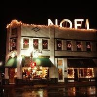 Photo taken at Starbucks by William G. on 12/24/2012