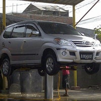 Photo taken at Dinar car wash by Adzans S. on 12/25/2012
