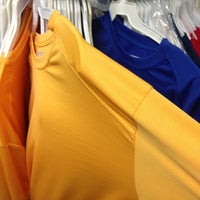 Photo taken at Super Mercado De Camisetas by Gaby V. on 2/6/2013