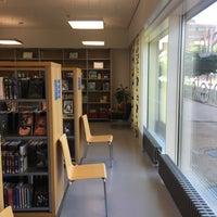 Photo taken at Saunalahden kirjasto by Jonne T. on 6/23/2016
