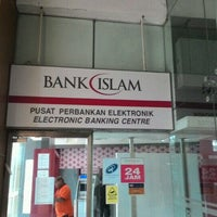 Photo taken at Bank Islam (M) Bhd by Reza A. on 10/27/2016