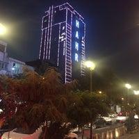 Photo taken at City Bank | بانک شهر شعبه مركز ميدان فردوسی by Babak H. on 8/14/2016