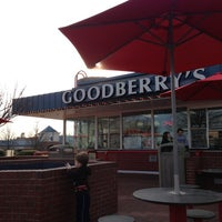 Photo taken at Goodberry's Frozen Custard by Victor L. on 2/10/2013