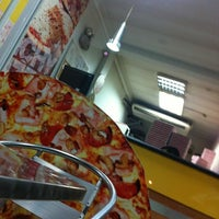 Photo taken at Crunchy Pizza by Moises O. on 3/26/2013