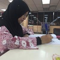 Photo taken at Perpustakaan Hamdan Tahir by Syahila A. on 3/15/2016