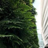 Das Foto wurde bei SFMOMA Rooftop Sculpture Garden von Lor 🐒 r. am 8/19/2017 aufgenommen