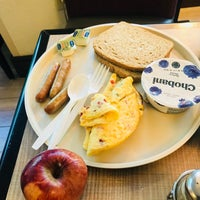 Photo taken at Holiday Inn Express & Suites Walterboro I-95 by Soumya B. on 5/9/2018