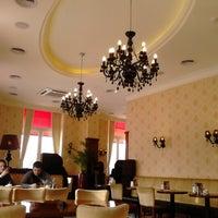 Foto tirada no(a) Круассан-кафе por Надежда Ш. em 2/20/2013