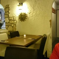 Photo taken at Sondrio Pizzeria by Eelke-H. H. on 5/1/2016