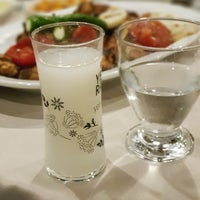 Foto diambil di Gölköy Restaurant oleh Özgür D. pada 7/14/2018