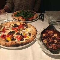 Photo prise au Pizzeria Firenze Nova par Wassila B. le11/29/2017