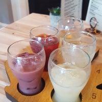 10/22/2017にEmil A.がBITES Wine & Grilled Cheese Barで撮った写真