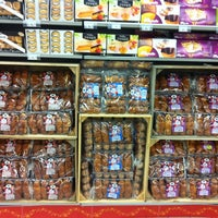 Photo taken at Carrefour Market Calais 4 Boulevards by Perrault N. on 11/24/2012