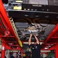 Photo taken at Vic Auto Collision & Repair by Vic Auto Collision & Repair on 4/1/2016