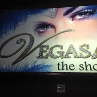 Photo prise au VEGAS! The Show par Lydia M. le10/16/2012