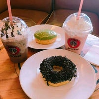 Photo taken at J.Co Donuts & Coffee by Shazlyn D. on 5/19/2017