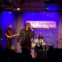 Foto scattata a City Winery da Jamie F. il 8/19/2018