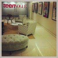 Photo taken at Condé Nast - Teen Vogue by Skai Blue Media on 3/19/2013