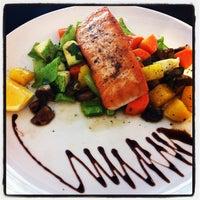 Foto tirada no(a) Press Bar Restaurante por Tatiane G. em 9/22/2012