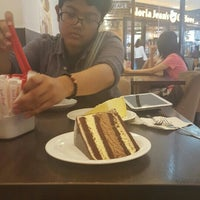 Photo taken at Secret Recipe by Nurnakita L. on 5/6/2016